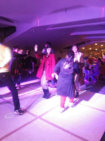 Grand View Hotel: Dance party in every night at top of hotel