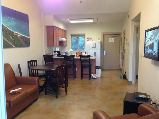 Bellows Air Force Station : dining, kitchen