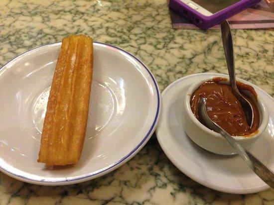 Cafe Tortoni : Churros com Dulce de Leche separado