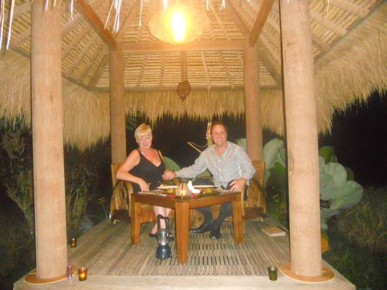Mathis Retreat: Romantic dinner in the rice paddy