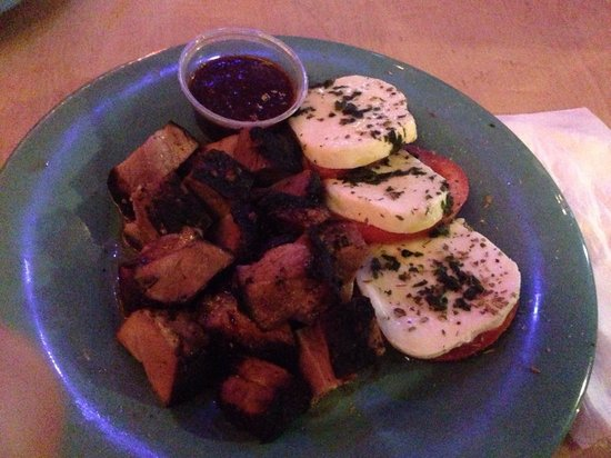 Stinger's: Jerk pork and caprese salad!