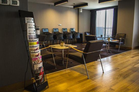 Point Hotel Taksim: Executive Lounge/Business Center
