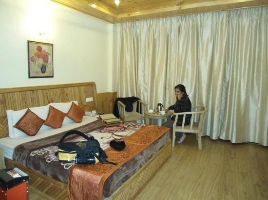 The Holiday Resorts Cottages & Spa: our room