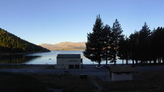 Lake Tekapo Motels & Holiday Park : View from where we parked