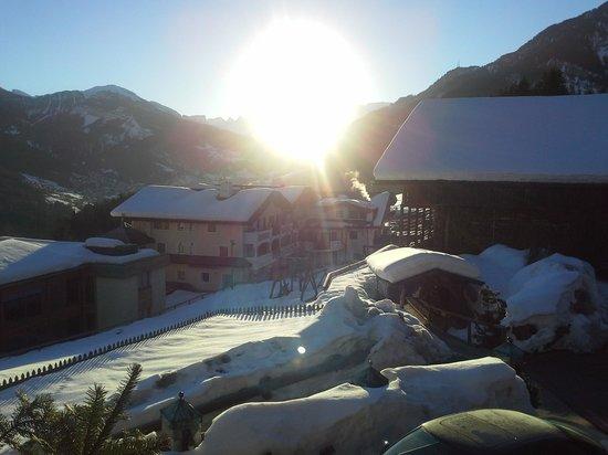 Mountain Spa Resort Hotel Albion: Blick von der Villa auf das Hotel
