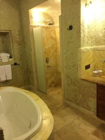 MDC Hotel : Nice bathroom