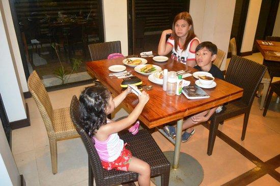 Coron Ecolodge: Dinner Time