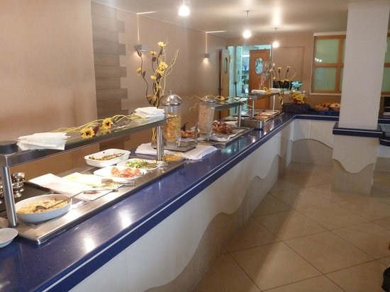 Bayview Hotel & Apartments: Breakfast buffet