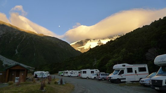 DOC White Horse Hill campsite: Morning view of campsite
