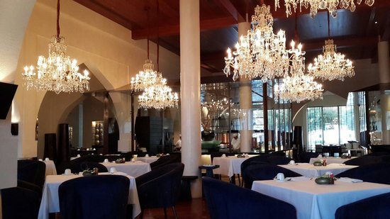 The Restaurant at The Chedi Muscat: The Restaurant at The Chedi