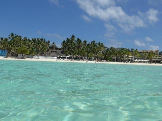 Friday's Boracay: Fridays beachfront