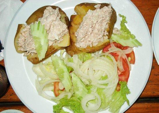 Paddy's Palms Irish Pub: potato with tuna