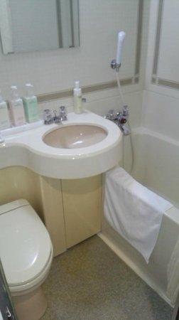 Crystal Hotel Minami Senri: bathroom