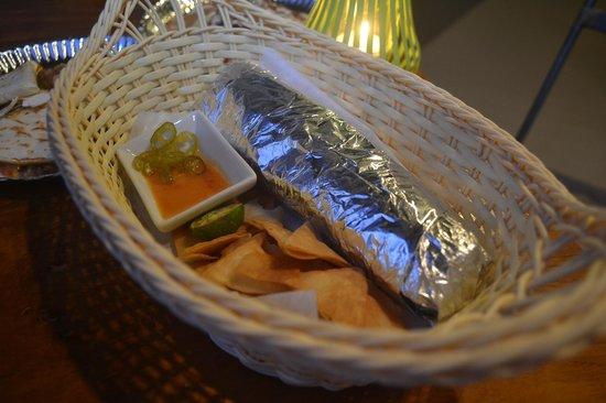 Los Guapos Restaurant: Burrito Baby