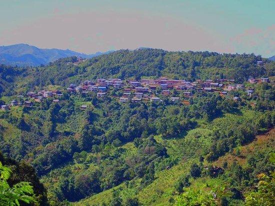 Pine Hill Resort, Kalaw: Eine unsinnige Wanderung bei 30° in die Berge !!!!