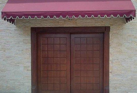 Quo Vadis Hotel Abuja: entrance