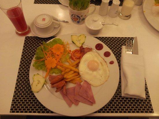 Calypso Suites Hotel: Breakfast