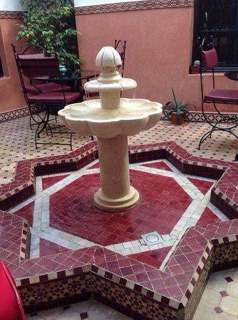 Riad Agdim : Fontana nel patio