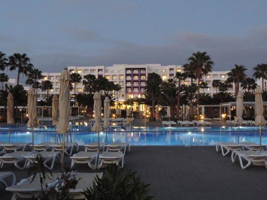ClubHotel Riu Gran Canaria: Rear of Hotel