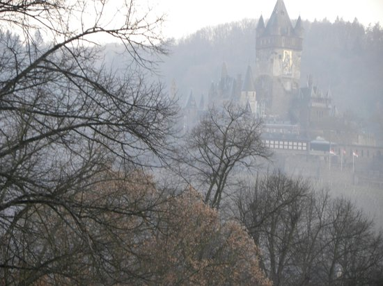 Hotel Villa Vinum Cochem: The castle