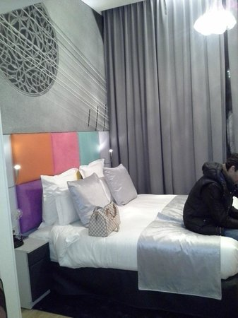 Lyric Hotel Paris : room
