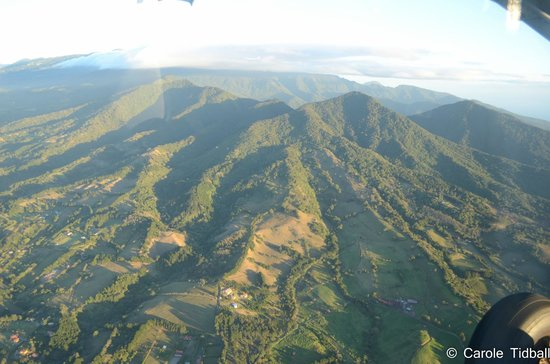 Pachira Lodge: Views of the countryside from the plane