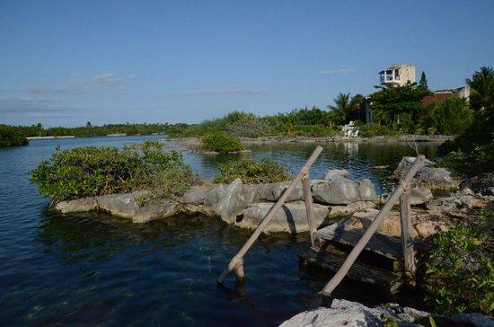 Yal-ku Lagoon: Entrance to the water 2
