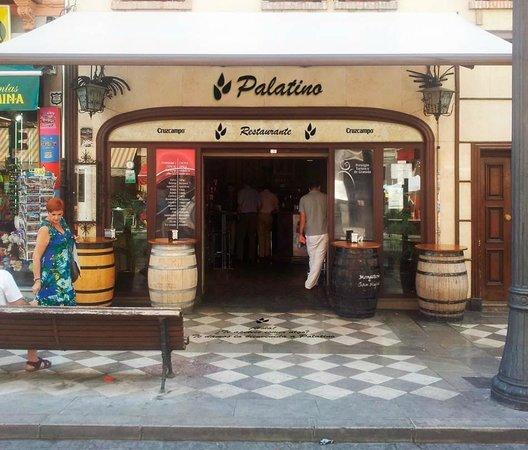 Restaurante Palatino: En Plaza Nueva