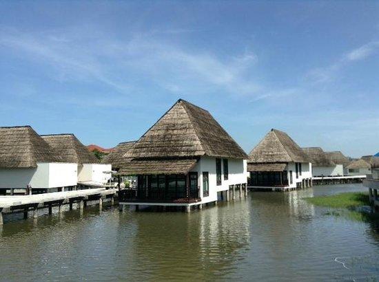 Sokha Beach Resort: Домики на сваях