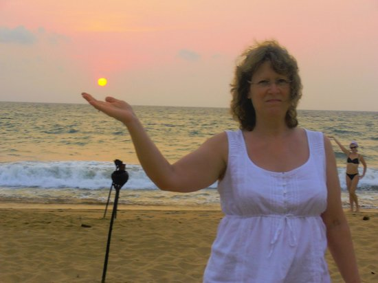 Sea Rock Villa: The setting sun
