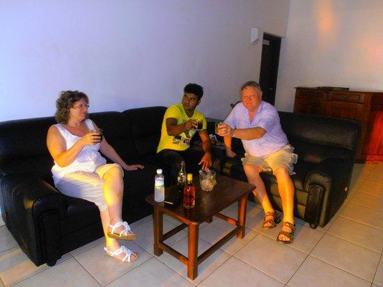 Sea Rock Villa: After dinner drink with Sammi