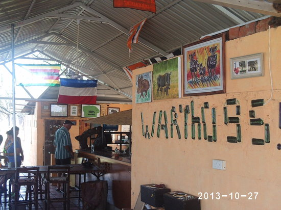 Warthogs Bush Camp : Inside the bar