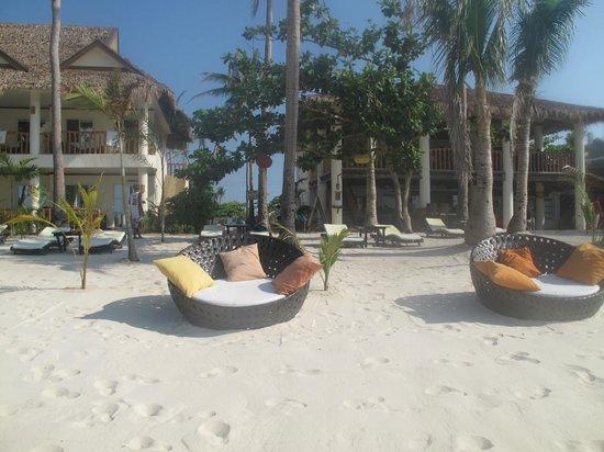Ocean Vida Beach & Dive Resort: Hotel beach