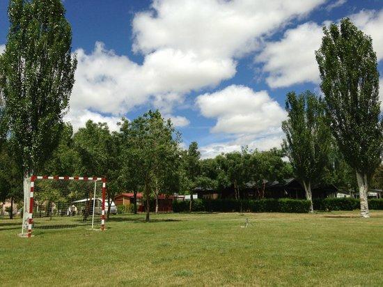 Camping Don Quijote: Campo de fultbito