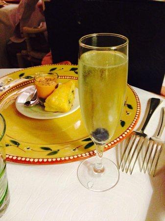 Auberge de Cassagne & Spa : Mise en bouche et son apéritif maison