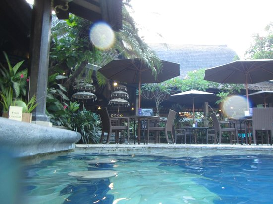 Hotel Vila Lumbung: POOL SIDE DINING