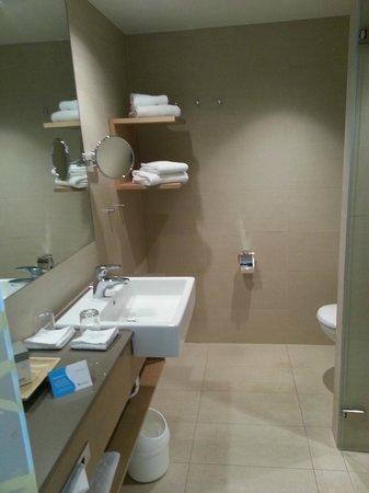 SENTIDO Seehotel am Kaiserstrand: Bad - WC