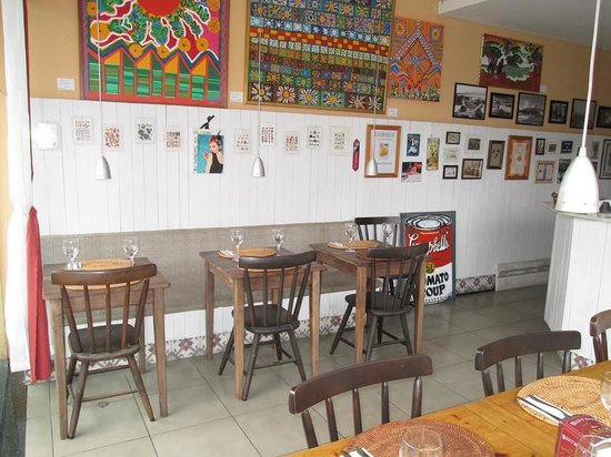 Latitude Bistro: Boa mesa com arte!