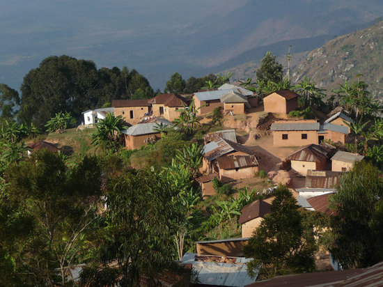 Avocado Lodge: Life in the local villages