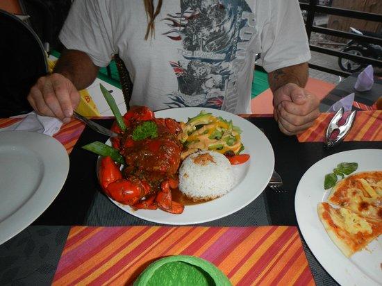 Yogi's Paradise and Grill : Hubbys chilli crab
