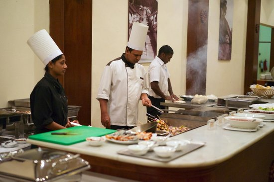 Amaya Hills: Grilliertes am Buffet