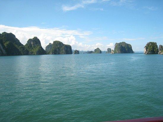 Indochina Junk: beautiful view of Halong Bay