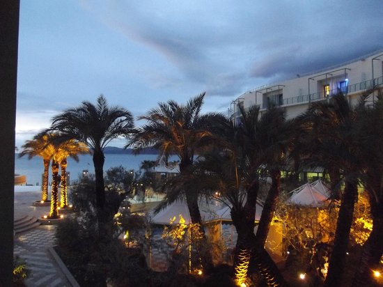 Club Hotel Loutraki : Great at night