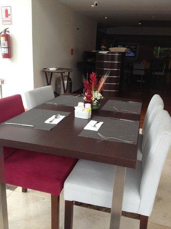 Sol de Oro Hotel & Suites: Comedor le falta para ser 5 estrellas