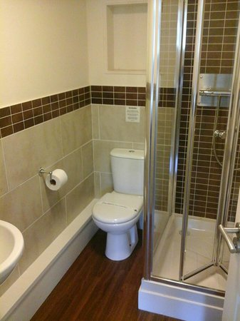 Ribby Hall Village Self Catering Accommodation: En-Suite from master bedroom