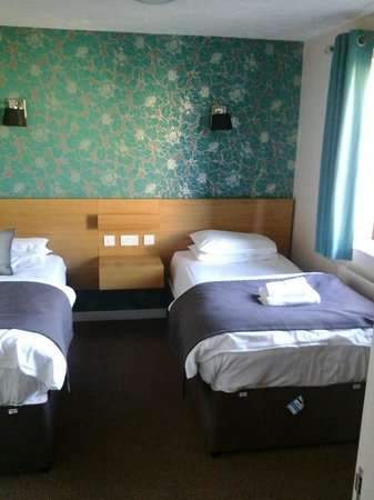Ribby Hall Village Self Catering Accommodation: Twin room 2