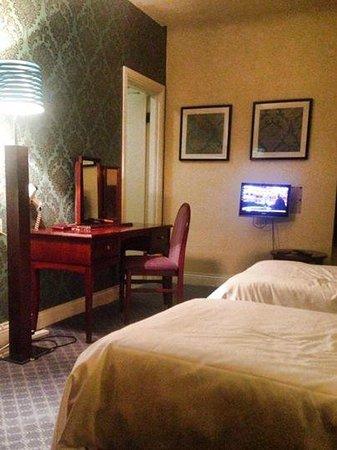 Lambton Arms: Comfortable Accomodation (room 5)