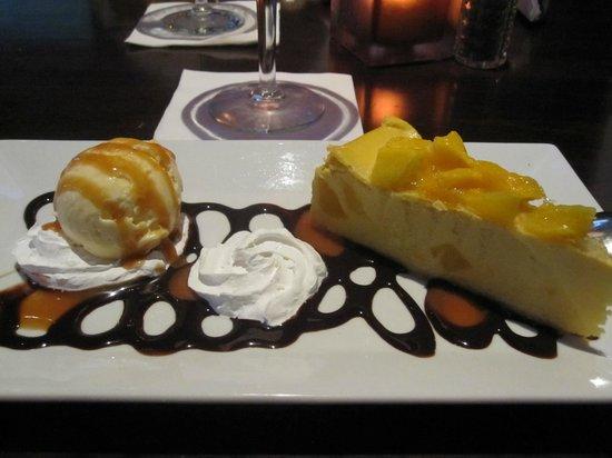 Skyline Hotel: Goood Mungo Cheescace i restaurangen!! Mums!!