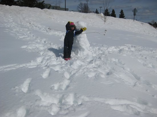Deerhurst Resort: Playing in the snow