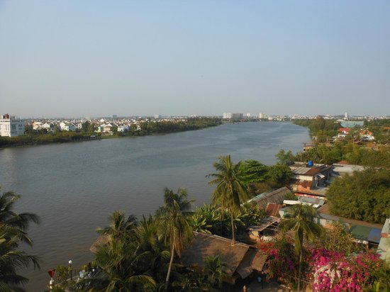 Saigon Domaine Luxury Residences: view from our 7th floor blacony of Siagon river